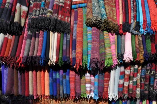 Echarpes sur les marchés de Kathmandu