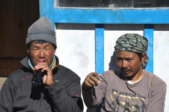 Ang Babu et Khansa : trek is nearly finished...