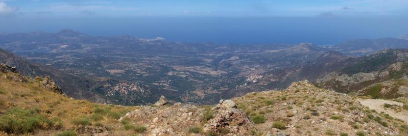 Juste avant d'atteindre Palasca, on dispose d'un large panorama sur la Balagne