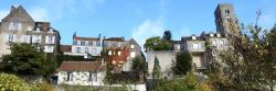 La ville haute de Château-Landon vue depuis les rives du Fusain