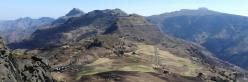 Vue panoramique depuis le pic de Chebertay situé à l'E de Lalibela