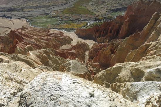 Poursuite de la randonnée sur les crêtes de Dhakmar
