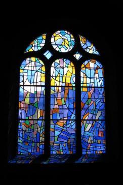 Pontarlier (les vitraux d'Alfred Mannessier ornent l'église Saint-Bénigne)