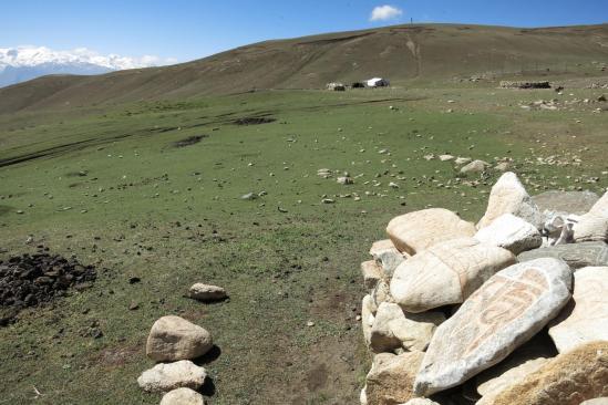 Camps de nomades dans la vallée de la Thulung khola