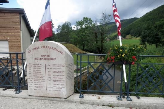 Le Pont Charlemagne à Mijoux