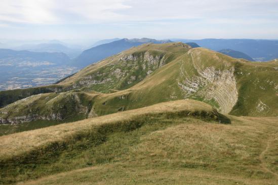 Panorama vers le sud depuis le sommet de la Croix du Reculet