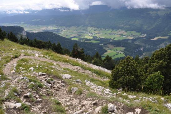 Au sommet du Moucherotte, vue plongeante sur le plateau de Lans-en-Vercors