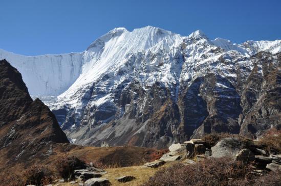 Le Dhaulagiri II depuis la bergerie de Neni Goth