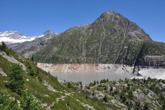 Le lac d'Emosson vu depuis le col du Passet