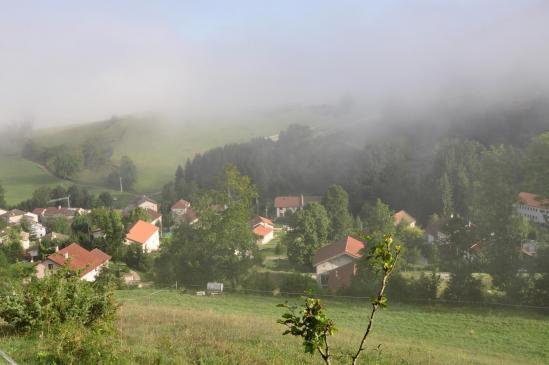 Côté Drôme encore, le village de Tourtre au petit matin...