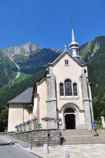 L'église de Chamonix et le Brévent