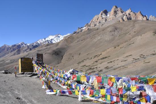 Sur la NH-1 entre Leh et Kargil, franchissement du Fotu La
