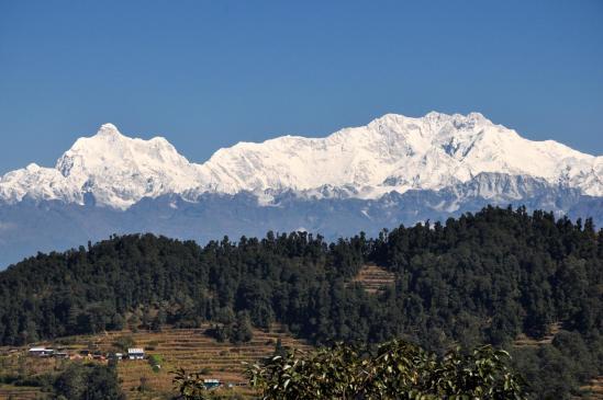 Jannu et Kangchenjunga vus depuis la route entre Ilam et Taplejung