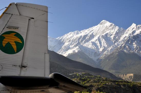 Le Nilgiri vu depuis l'altiport de Jomosom