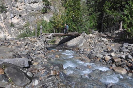 Descente le long de la Phoksundo khola