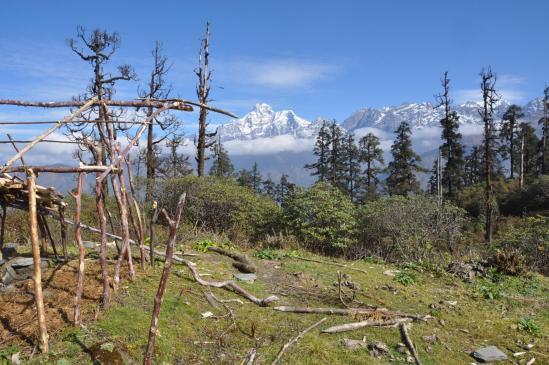 Gaurishankar et Chekigo vus depuis la Goyang danda