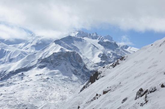 Depuis le Kog La, panorama sur les montagnes du Teri himal