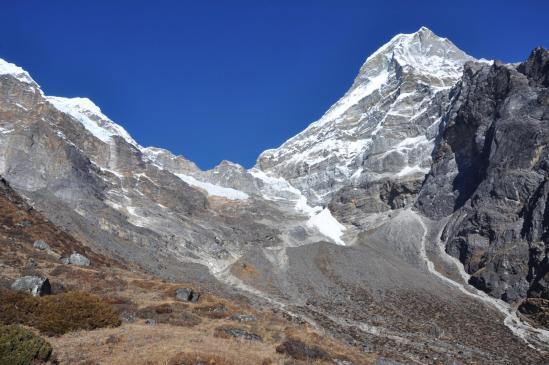 Le sommet du Kyashar vu depuis Thangnag