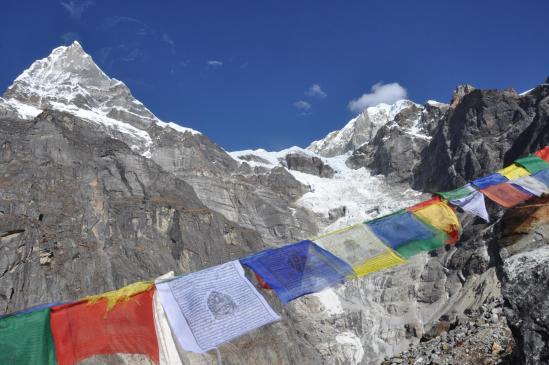 Le Kyashar et le Sabai glacier sur le chemin de Khare