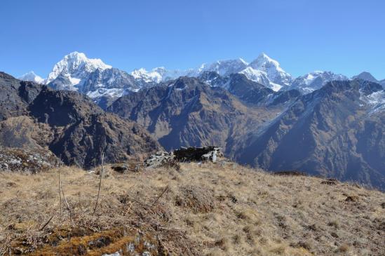 Le panorama au-dessus de Kholakharka, du Tengi Ragi Tau au Numbur