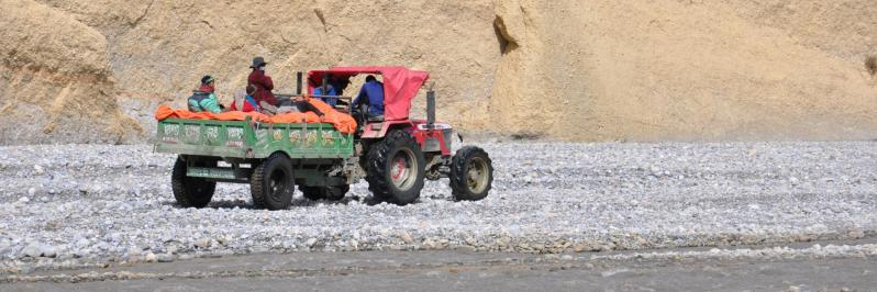 Trafic dans les gorges de la Kali Gandaki