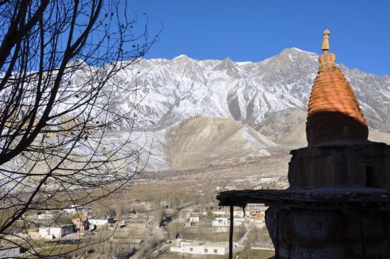 Le plateau de Ghilling vu depuis le gonpa