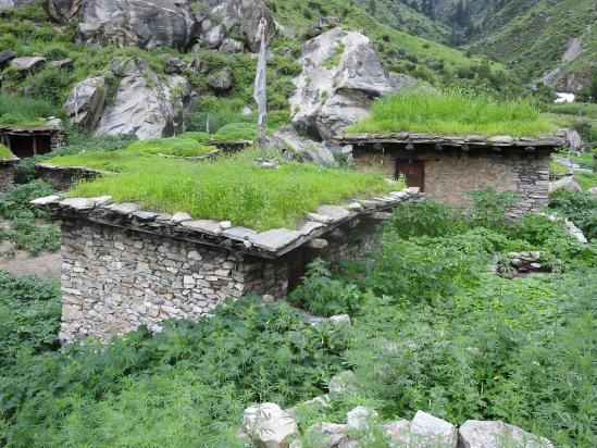 Le village de Jelas le long de la Suli khola