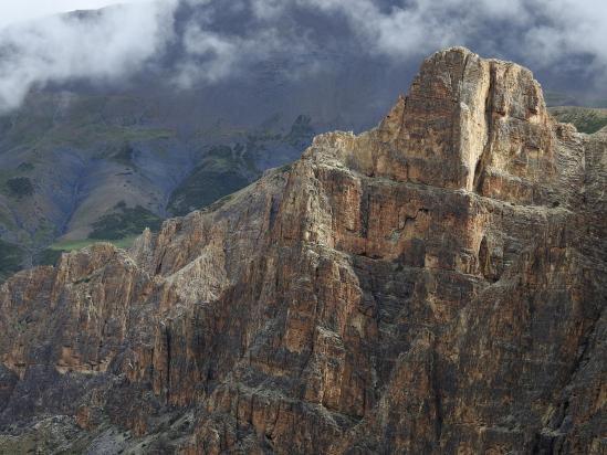 Les falaises qui dominent la Tartang khola