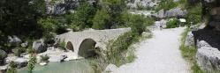 Le pont roman à la sortie des gorges de la Méouge