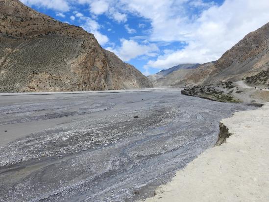 On a retrouvé la Kali Gandaki. Juste 40mn de poussière...
