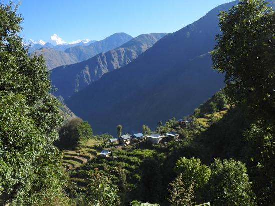 Descente sur le village d'Oitangu
