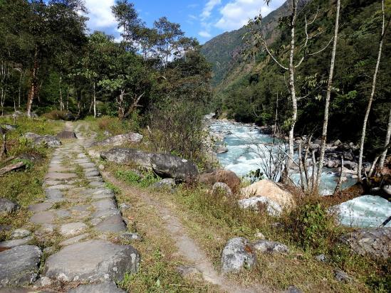 Après-midi tranquille le long de la Tamur khola