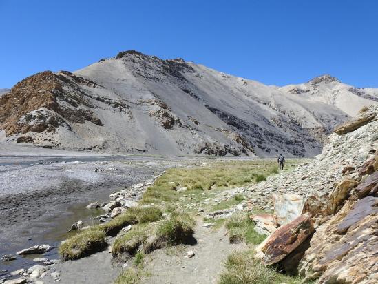 Poursuite de la remontée de la vallée de la Phirse chu
