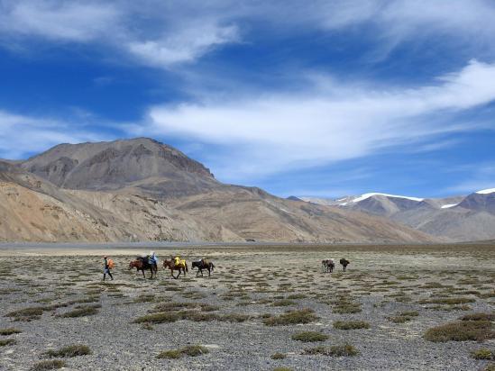 Remontée de la vallée de la Pangyo chu