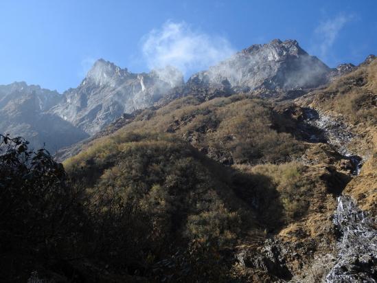 Dans le fameux thalweg, un peu au-dessus de Cave camp