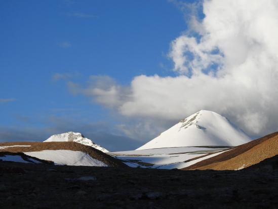 Lever de soleil au camp de base du Tsomo Riri view peak