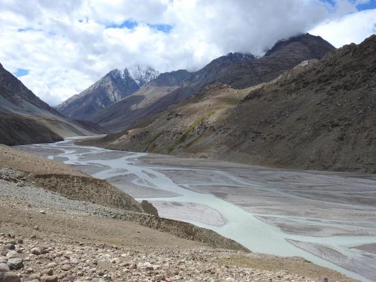 On retrouve la vallée de la Chandra chu à mi-chemin entre le lac et Batal