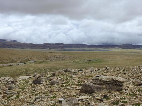 Le bivouac de Shukule (avec le Chilling tso, le plus septentrional des Kyun tso)