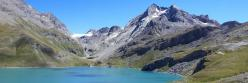 Le lac de la Sassière et le massif de la Tsanteleina