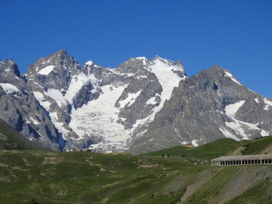 Au col du Lautaret, le massif de la Meije
