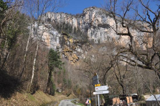 A l'entrée des gorges d'Omblèze au niveau du Moulin de la Pipe