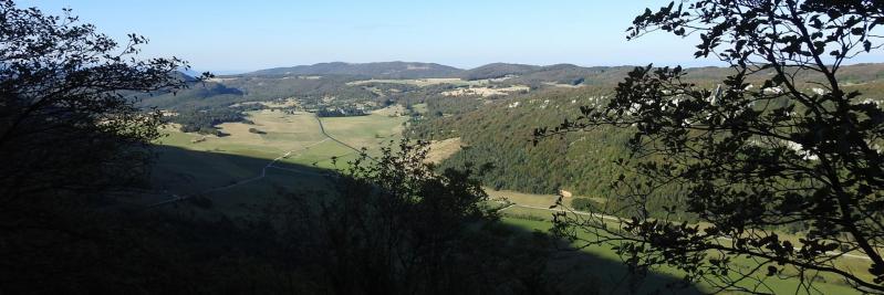 Panorama depuis le chemin de montée à la ferme du Grand-Echaillon