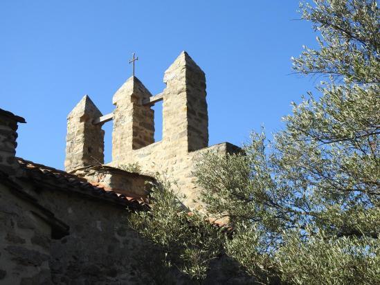 Le drôle de clocher de l'église de Casesnoves