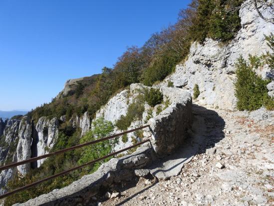 Sur la voie romaine entre le col de Rousset et le col de Chironne