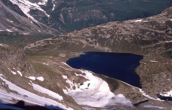 Au col d'Enclave, vue plongeante sur le lac Jovet