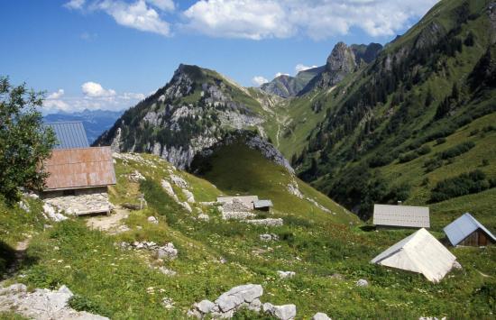 Passage au chalets de Neuteu