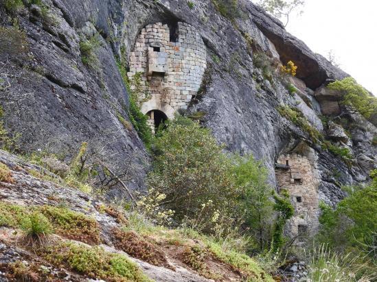 Une des grottes de la Jaubernie