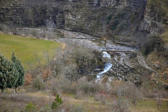 Les gorges de l'Ouvèze vues depuis le chemin entre Le Gleizal et Lascombes