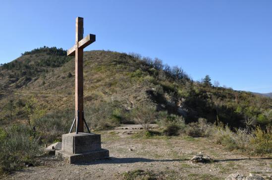 Le belvédère de la croix au-dessus de Coux