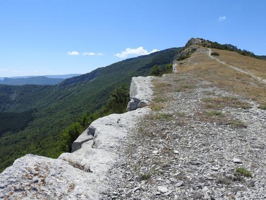 Sur la crête de la montagne de Saint-Cyr
